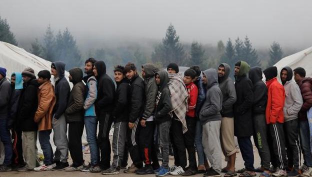 Власти Боснии и Герцеговины не могут найти решение для тысяч мигрантов