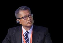 Финансовый секретарь Пол Чан Мо-По